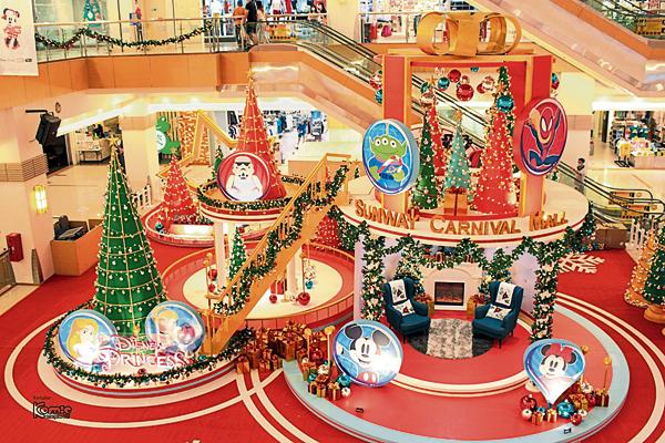 闪闪发亮的迪士尼主题的圣诞活动,更添欢乐。