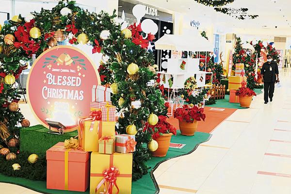 一楼也有迷人的圣诞装饰待您来打卡。